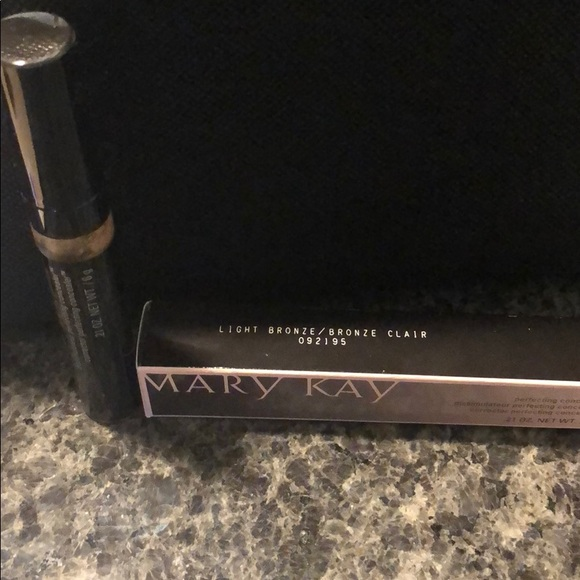 Mary Kay Other - MARY KAY | Concealer